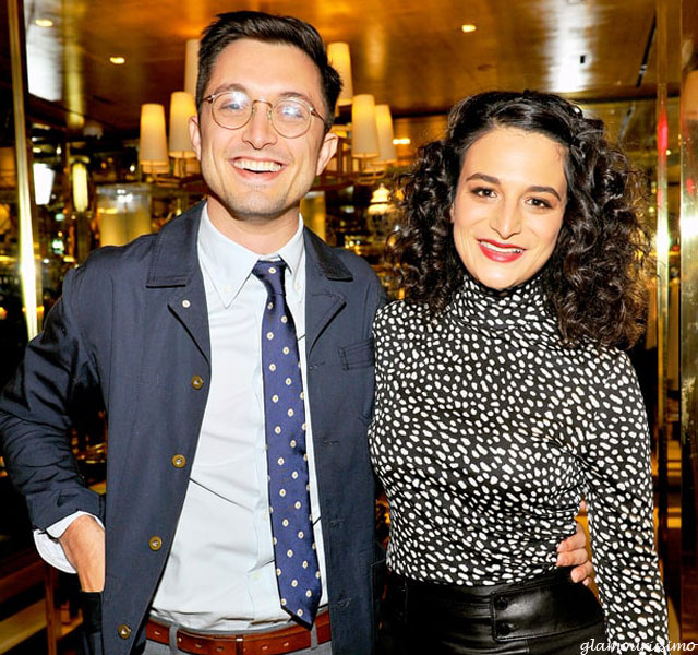 jenny slate picture 5 dark brown hairs